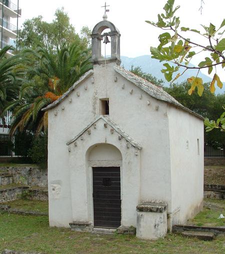 Kirke i Tucepi. Foto: Kystbloggen