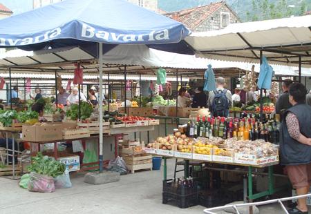 Markedet i Makarska. Foto: Kystbloggen