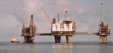 Oljeinstallasjon i Nordsjøen. Foto: Kystbloggen
